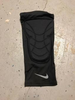 Nike Pro Hyperstrong Basketball Knee Pad Sleeve. Large